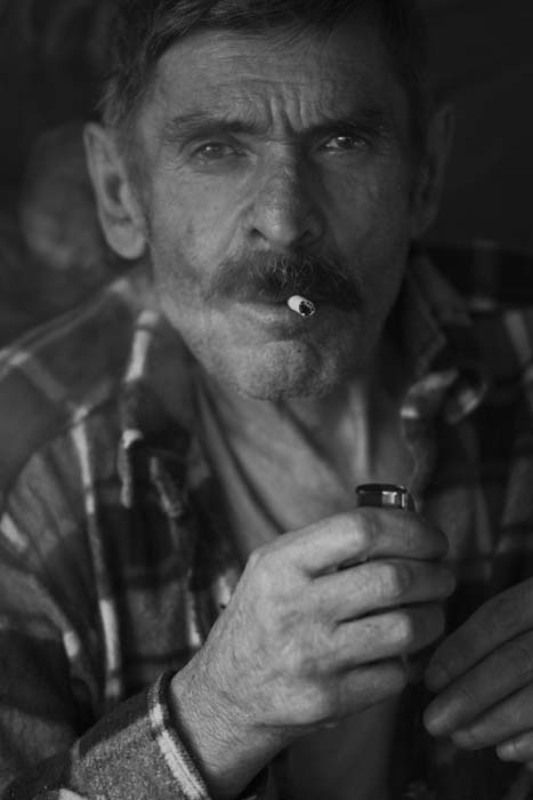 портрет, сигарета, дым Портретphoto preview