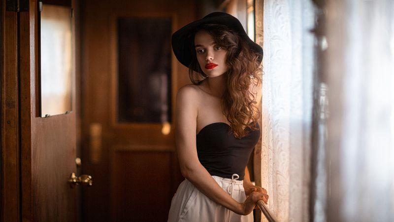 девушка, город, вечер, портрет, арт, поезд Departurephoto preview