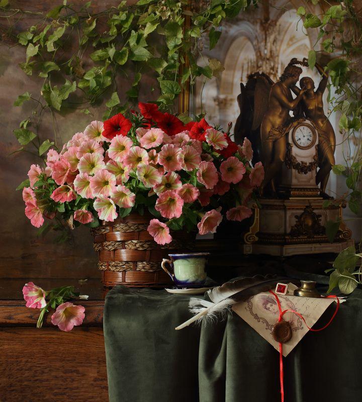 цветы, петунья, часы Натюрморт с цветамиphoto preview