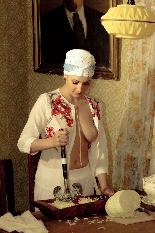 ню, nu, nude, nudeart, арт-ню, портрет, portrait, girl, девушка, обнажённая, грудь, винтаж, vintage, ретро, деревня, кухня, корыто, сечка, капуста, ***photo preview