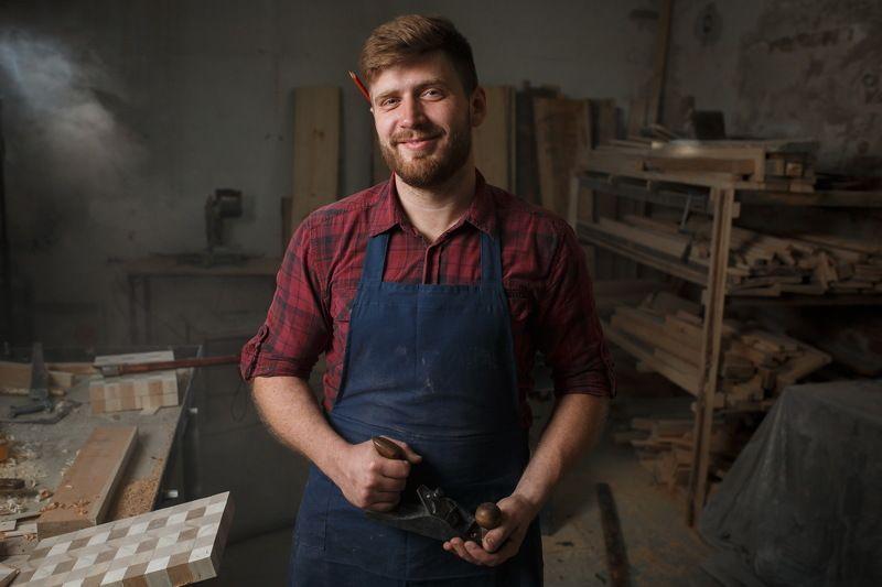 портрет, работа, процесс, крафт, ремесло, столяр, мастерская, плотник, нерозя, столярная мастерская Столярphoto preview