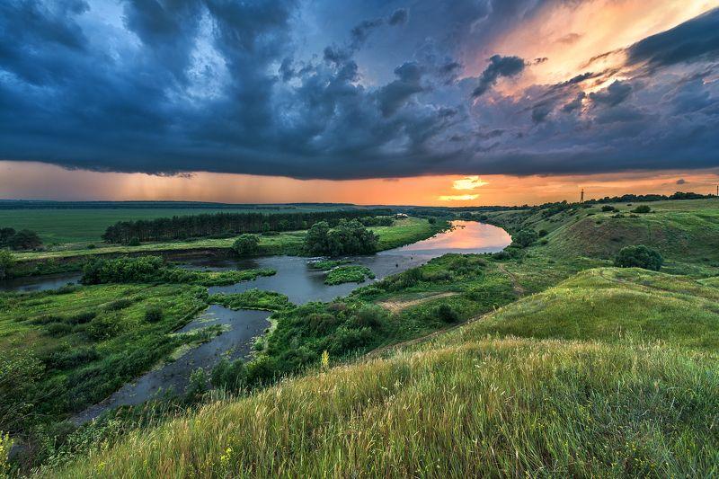 вечер,закат,лучи,отражения,тучи,пасмурно Приближение грозы 2photo preview