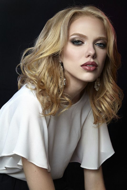 portrait girl model портрет девушка модель russia Pollphoto preview