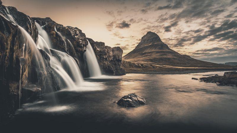 водопад,kirkjufell,kirkjufellsfoss,исландия,пейзаж ...photo preview