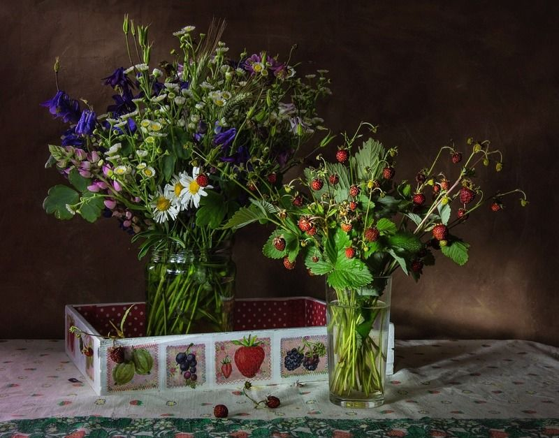 натюрморт,земляника,полевые,цветы,лето, Запахи лета...photo preview
