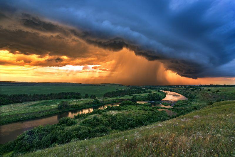 вечер,закат,лучи,отражения,тучи,пасмурно Сила природыphoto preview