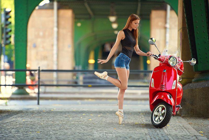 ballerina, dance, dancing, portrait, street, outdoor Vespaphoto preview