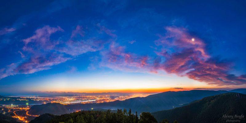 рассвет, пейзаж, горы, город, зарево, природа Первые краски дняphoto preview