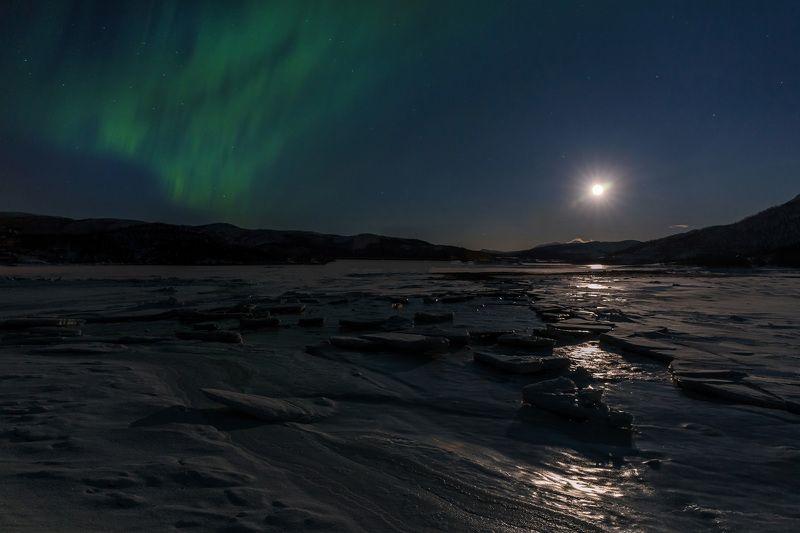 путешествие, пейзаж, аврора, сияние, норвегия, norway, lake, aurora, travel, landscape Ночью у озераphoto preview