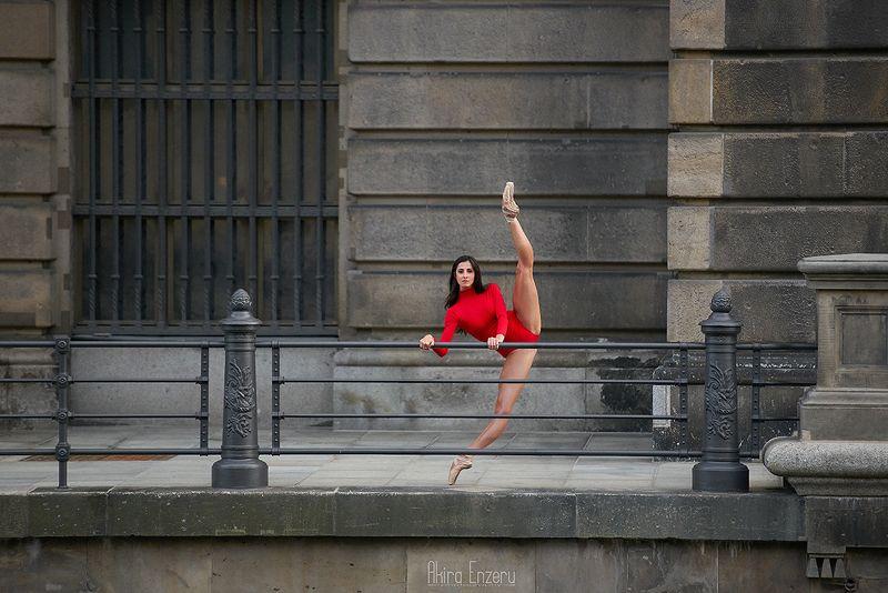 ballerina, dance, dancing, portrait, street, outdoor Берлинский кафедральный соборphoto preview