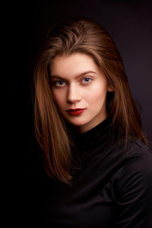 портрет, девушка, portrait, girl, eyes, beauty, low key Оляphoto preview