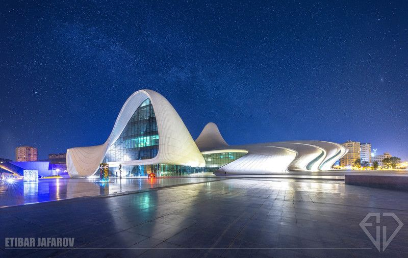 Heydar Aliyev Cultural Center (Baku) Heydar Aliyev Cultural Center (Baku)photo preview