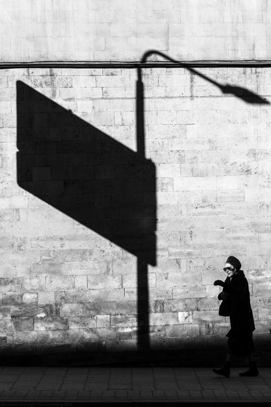 жанр, улица, город, монохром, черно-белая фотография, люди, человек, тень, streetphotography ***photo preview