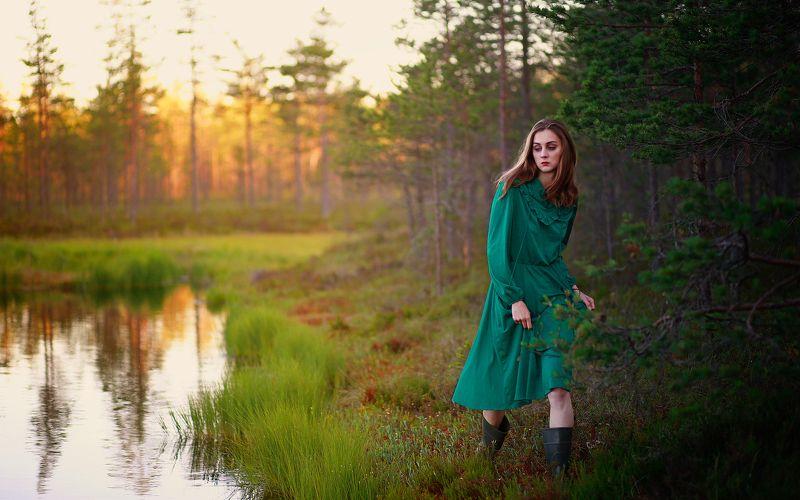 девушка, портрет, свет, цвет, озеро, лес, красота, природа, красивая, модель, волосы, глаза, руки, чувственная, в лесу, зеленый, закат, юная Лесное дыхание...photo preview