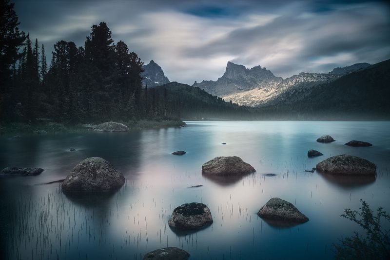 природа, пейзаж, ергаки, красноярский край, сибирь, озеро, горы, скалы, тайга, камни, берег, отражения, облака, голубой, большой, длинная, туризм, путешествия, nature, siberia, lake, ergaki, taiga, krasnoyarski krai, shore, cost, mountains, rocks, travel, Озеро Светлое / The Svetloe Lakephoto preview