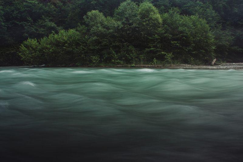 Пейзаж, природа, река, вода, лес Взволнованная рекаphoto preview