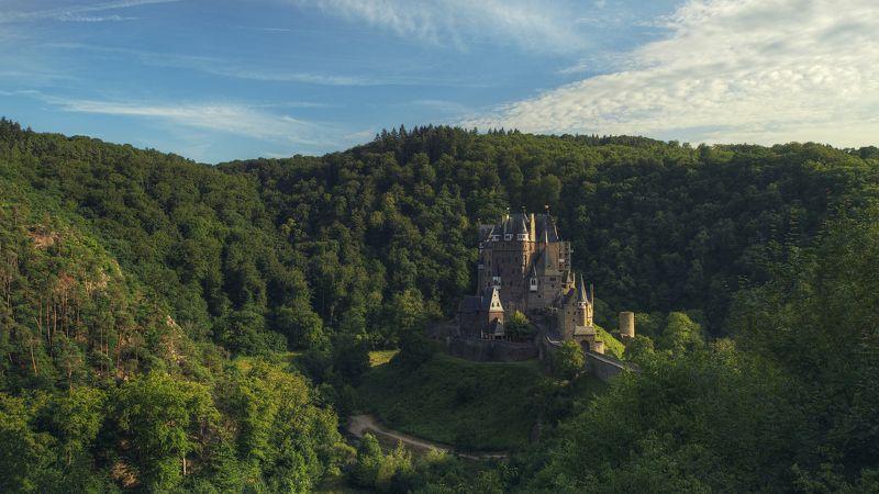 пейзаж, панорама, замок, архитектура, природа, лес, Германия, закат, свет, средневековье Medievalphoto preview