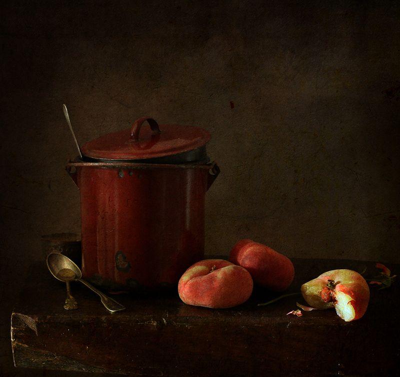 натюрморт C персиками..photo preview