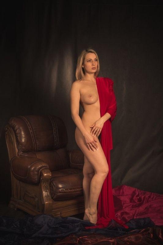 ню, nu, nude, nudeart, арт-ню, портрет, portrait, girl, девушка, обнажённая, грудь, винтаж, vintage, ретро, кресло, ткань photo preview