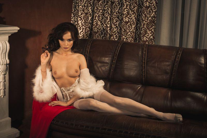 ню, nu, nude, nudeart, арт-ню, портрет, portrait, girl, девушка, обнажённая, грудь, диван, чулки, ночнушка photo preview