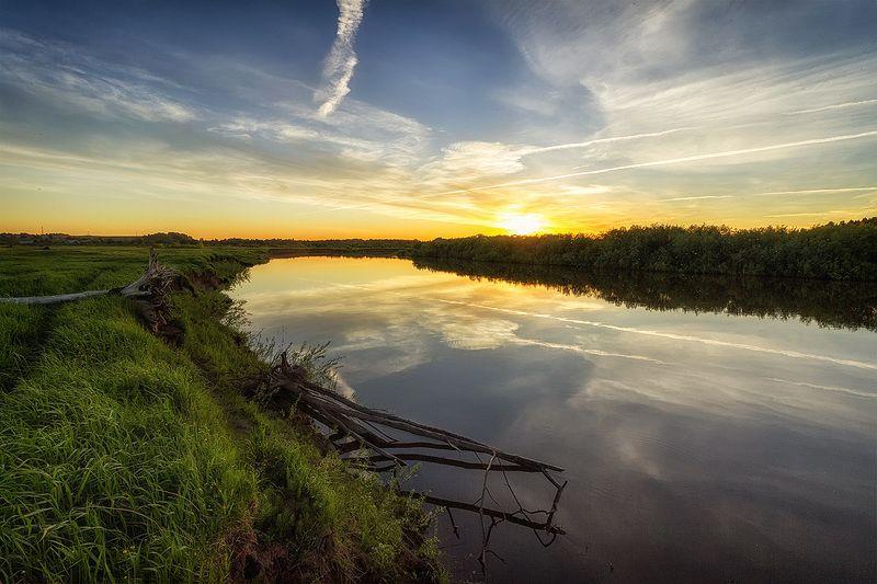 закат, лето, река, небо, облака, отражение, солнце Река Великаяphoto preview