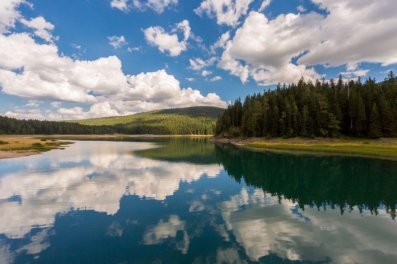 озеро, облака, отражение, небо, вода, лес, голубой, зеленый, Черногория, Дурмитор, Черное озеро Черное озероphoto preview