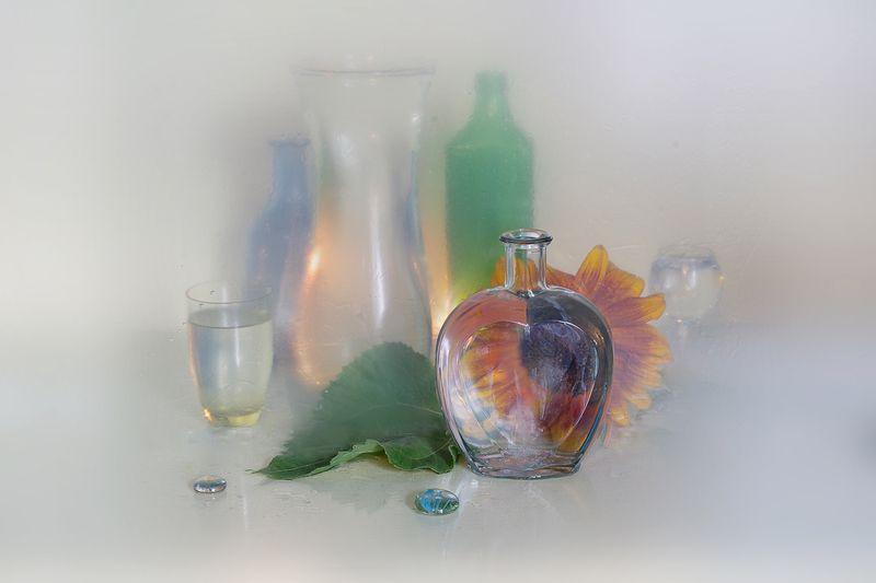 натюрморт,стекло,свет,отражение,вера павлухина,подсолнух, Стекло и подсолнухphoto preview