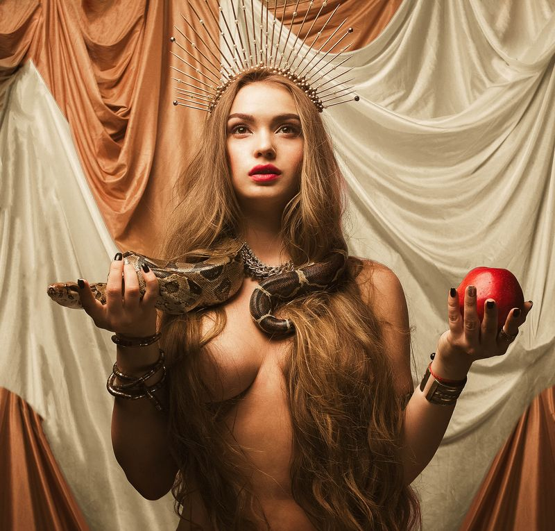 #eva #snake #apple #woman Evaphoto preview