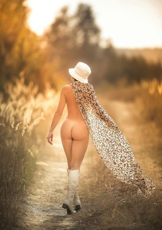 фотограф https://vk.com/media_mark  николай меньшиков Уходящая в осень...photo preview