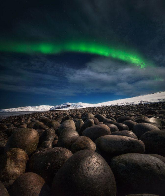 ночь сияние север Берег валуновphoto preview