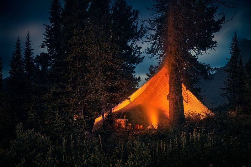 пейзаж, landscape, природа, nature, вечер, evening, поздний, late, ночь, dusk, night, темный, dark, красный, red, mounts, mountains, горы, taiga, тайга, forest, лес, ergaki, ергаки, siberia, сибирь, krasnoyarski krai, красноярский край, range, хребет, big Холодный вечер у жаркого костра / Cold evening next to warm firephoto preview