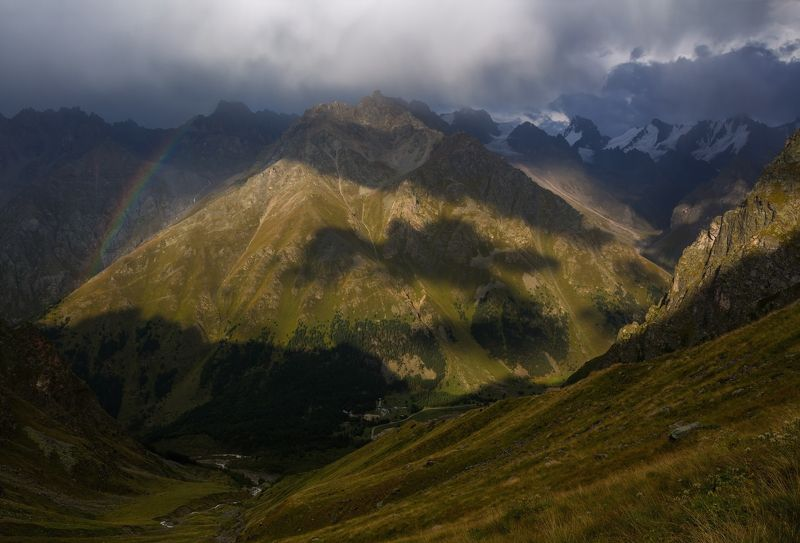 горы, гроза, радуга крылатая тень....photo preview
