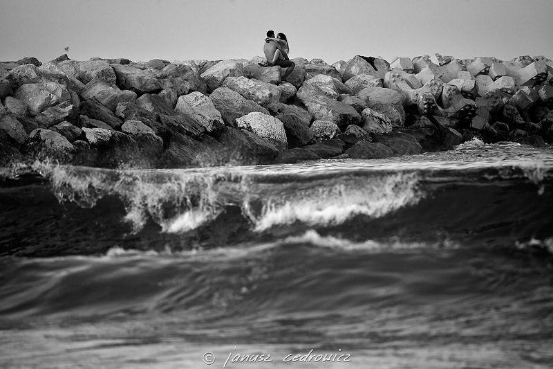 romania,constanca,sea,seaside,couple,love,sex,hug,kiss,boy,girl,beach,holiday,water,waves, ...photo preview