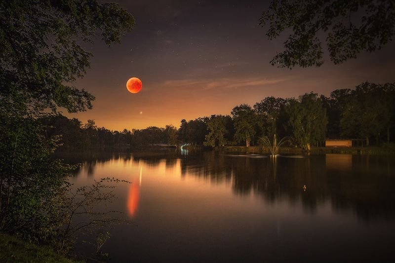 red moon, eclipse, moon eclipse, night, sky, nighscape, lake, stars, moon, lansdscape, Poland Red moon eclipsephoto preview
