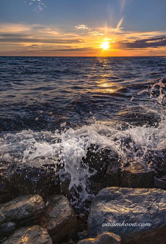 волна и солнцеphoto preview