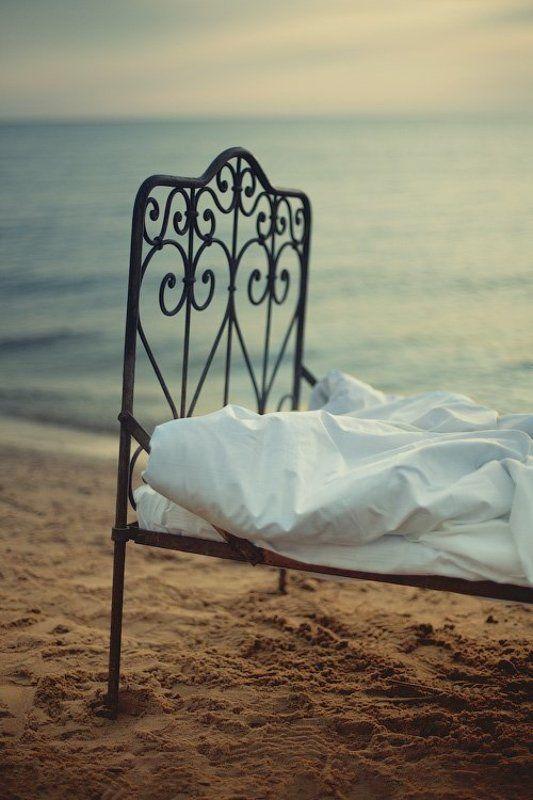 портрет, кровать, женщина, ладожское озеро, утро, берег, вода, волна, небо, dyadyavasya photo preview