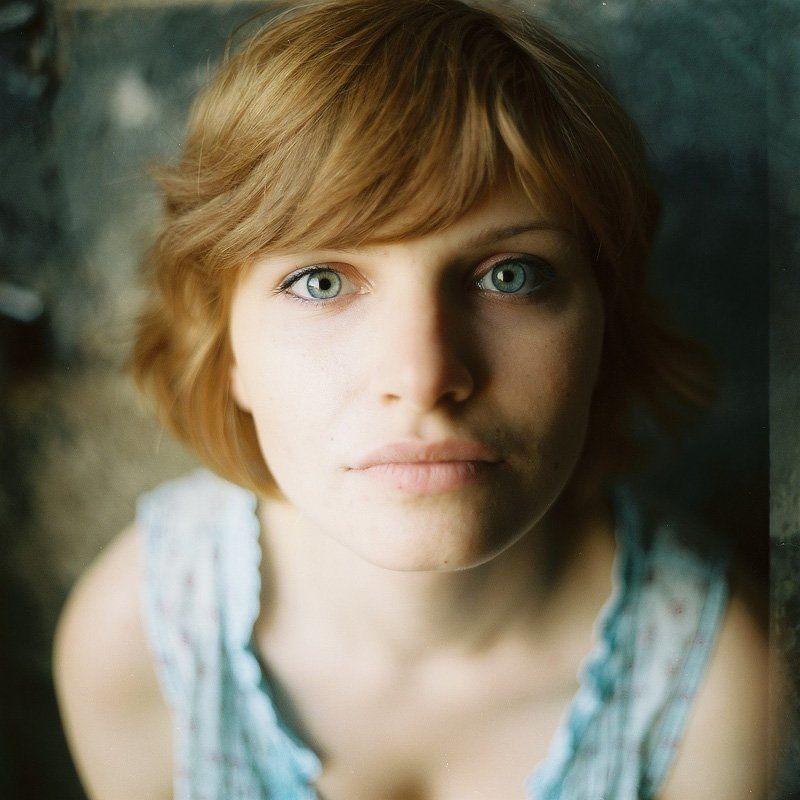 девушка, портрет, 6х6 photo preview