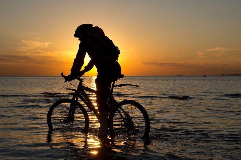 велосипед, финский залив, санкт-петербруг, путешественник, закат photo preview
