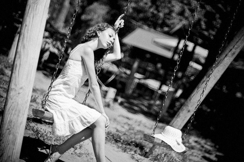 чб, жанровый портрет, девушка, одиночество photo preview
