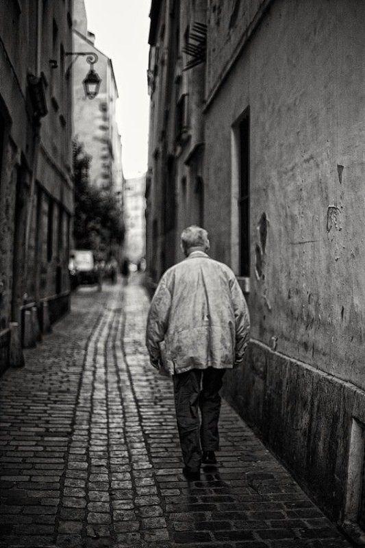 dyadyavasya, прогулка, стена, дом, здание, мостовая, улица, одинокий, мужчина, старик, париж, франция photo preview