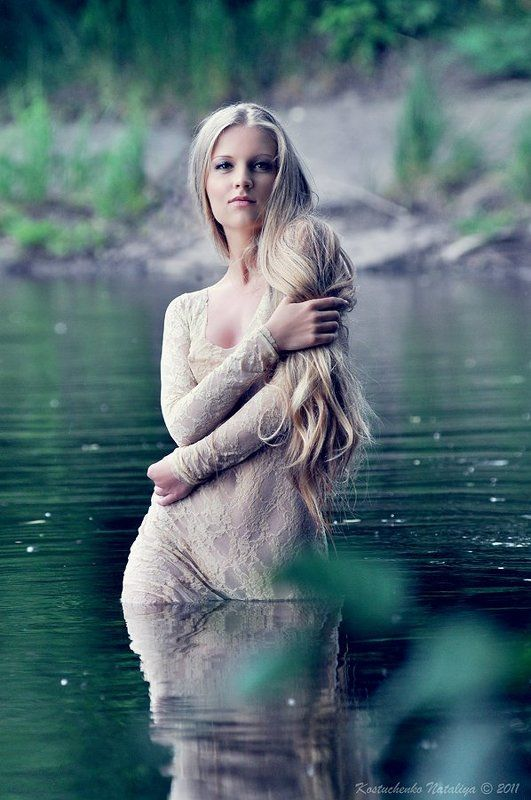 портрет, девушка, вода Водянаяphoto preview