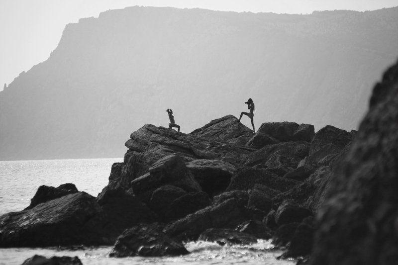 модель, фотограф, пленер, море, пляж, скалы photo preview