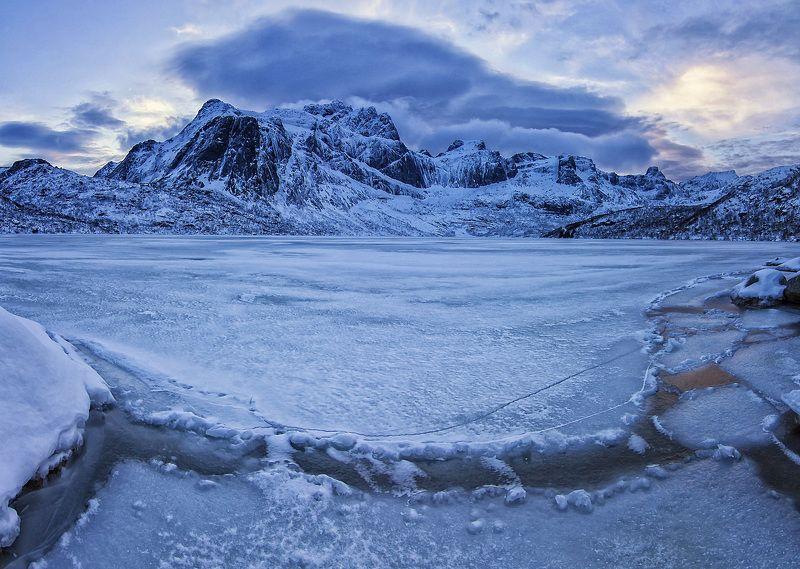 лофотены,горы,лед,режимное время. Холодные Лофотены.photo preview