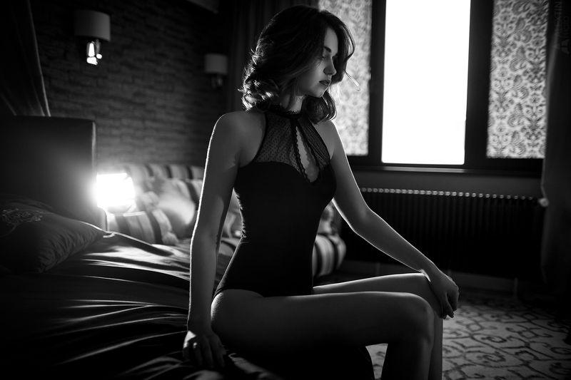 портрет, девушка, интерьер, чб Настяphoto preview