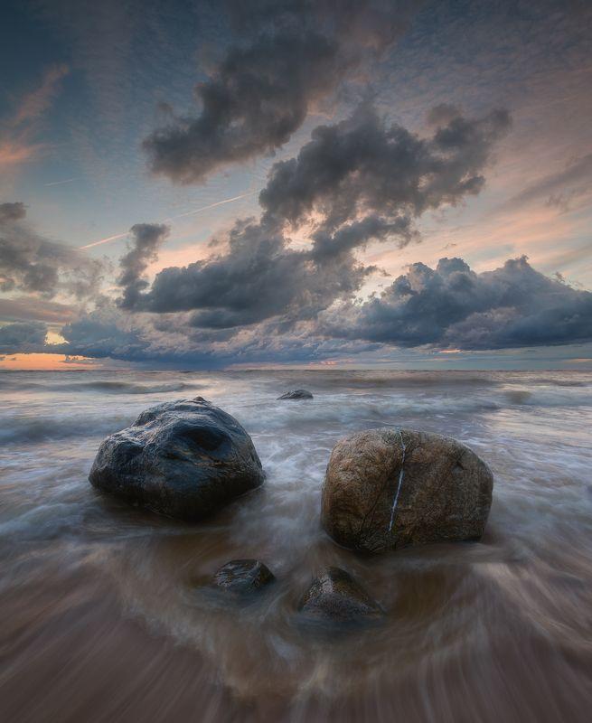 пейзаж, море, латвия, камни, шторм Пластика водыphoto preview
