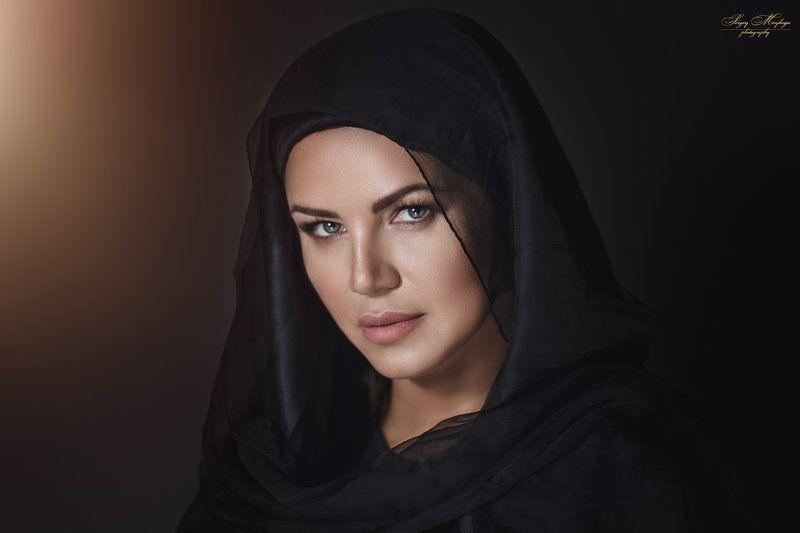 women,portrait,eyes,makeup,canon,profotoa1 Mary Magdalenephoto preview