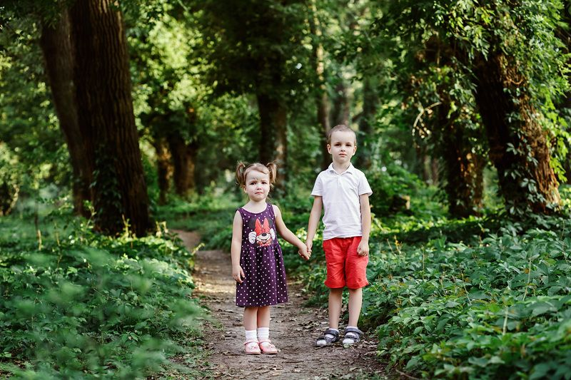 дети, мальчик и девочка, парк, лето, лес, слезы, эмоции ***photo preview