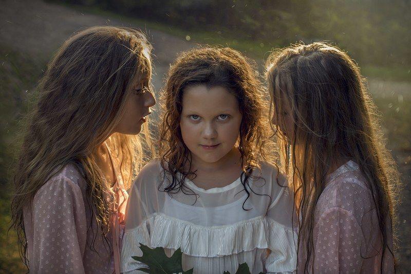 girl, garden, flowers, portrait, friends Whispersphoto preview