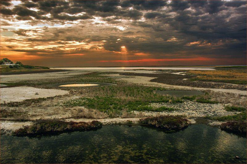 вечер краски солнце лучи Сивашские лиманы в вечерних краскахphoto preview