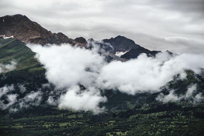 пейзаж, горы, облака, зелень, грузия, местиа, мануальный, зуико Одеялоphoto preview